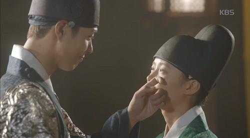 may hoa anh trang tap 9: kim yoo jung cong khai phan nu nhi truoc mat nguoi yeu - 5
