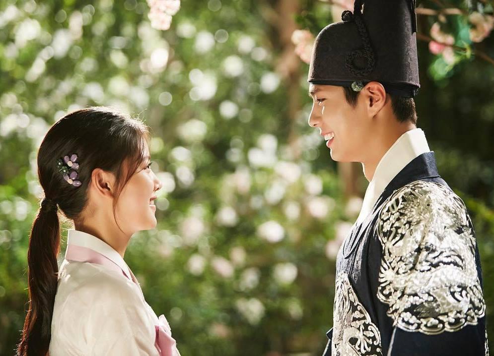 may hoa anh trang tap 9: kim yoo jung cong khai phan nu nhi truoc mat nguoi yeu - 3
