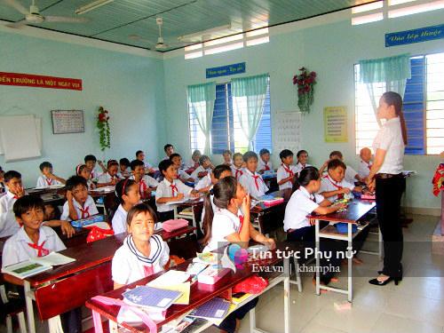 phu huynh tp. hcm khong can nop tien co so vat chat, tien ve sinh cho con dau nam - 1
