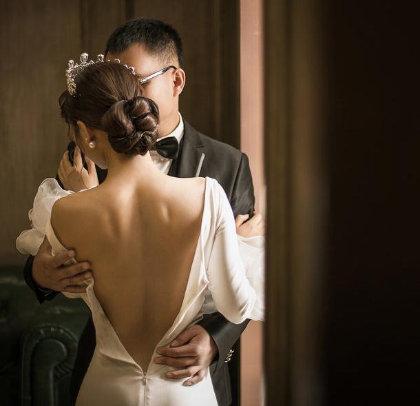ban trai thu nhan len giuong voi chau gai sep nhung… chua lam gi - 1