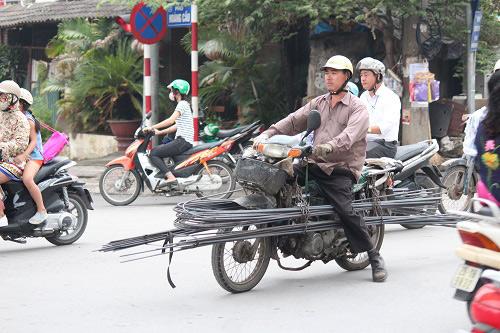 "hai hung xe ""tu than"" khien van nguoi khiep via tren duong pho ha noi - 14"