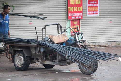 "hai hung xe ""tu than"" khien van nguoi khiep via tren duong pho ha noi - 5"