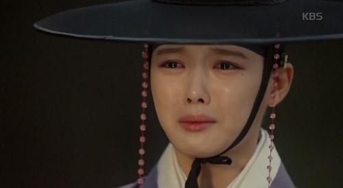 may hoa anh trang tap 11: kim yoo jung khoc nuc no khi tai ngo me ruot - 2