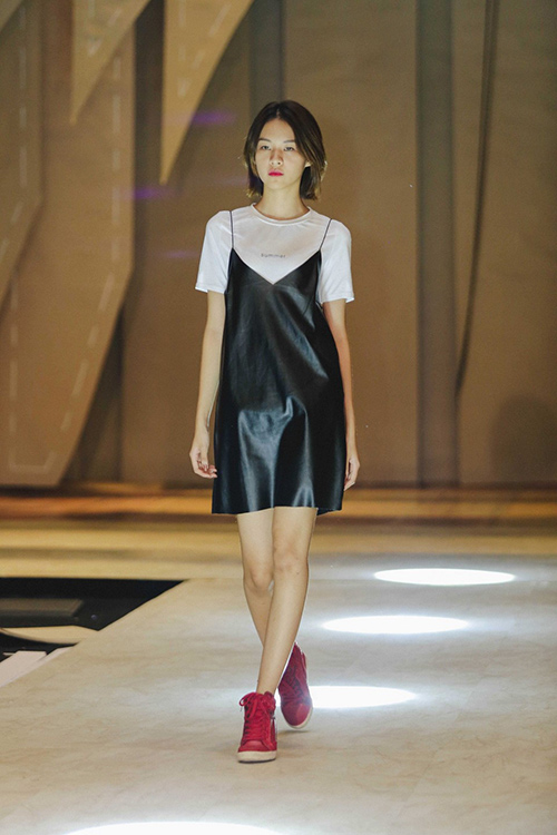 lan khue, mai ngo cung nhau tap catwalk chuan bi dien elle show - 5
