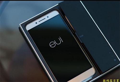 nua trieu smartphone leeco le pro 3 duoc ban sach trong vong 15 giay - 1