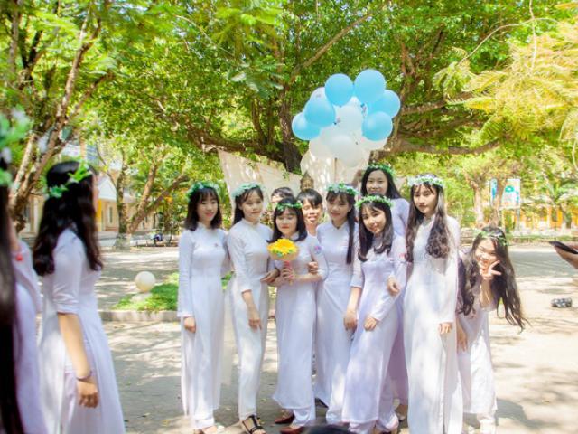 Chi 8 triệu để chụp kỷ yếu, học sinh Quảng Ngãi nhận lại bộ ảnh không thể xấu hơn