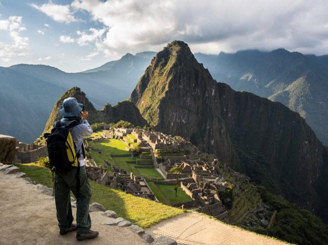 Machu Picchu, Peru: Phong cảnh tuyệt đẹp tại khu di tích Machu Picchu trên núi Andes sẽ giúp bạn nhanh chóng quên đi những chuyện buồn trong cuộc tình của mình. Nếu chưa đủ, bạn có thể tham gia tour đi bộ kéo dài nhiều ngày để tìm hiểu về lịch sử của người Inca.