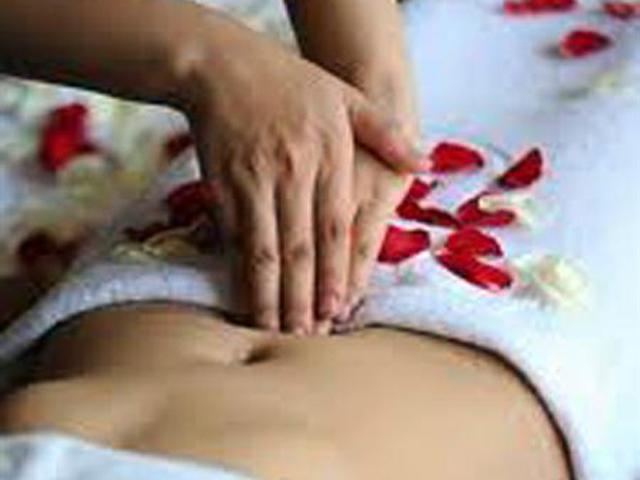 Day bấm huyệt chữa đau bụng kinh
