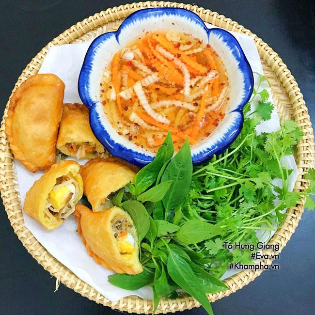 Cách làm bánh gối nhân thịt, trứng đơn giản mà ngon tại nhà - 9