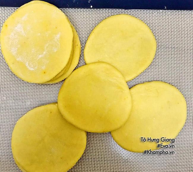 Cách làm bánh gối nhân thịt, trứng đơn giản mà ngon tại nhà - 5