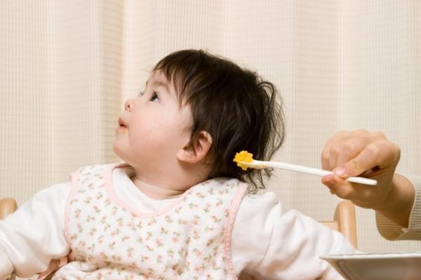 Trẻ 1 tuổi lười ăn phải làm sao? - 5