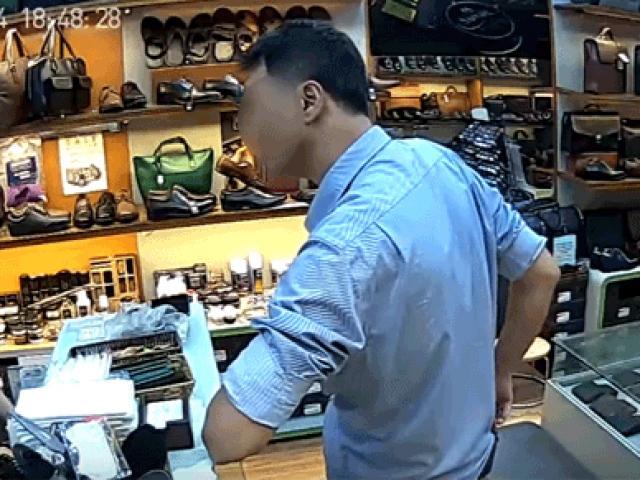 Bất ngờ sau câu chuyện người đàn ông lịch lãm ăn trộm 3 chiếc ví trong cửa hàng