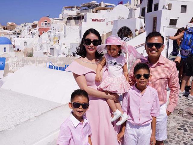 Hoa hậu Hà Kiều Anh và chồng đại gia kỷ niệm 10 năm hạnh phúc bên nhau