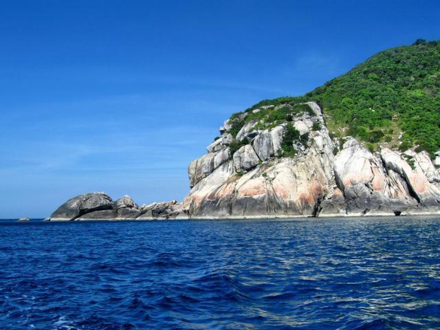 [Video] Đến Cù Lao Chàm để đi bộ dưới đáy biển