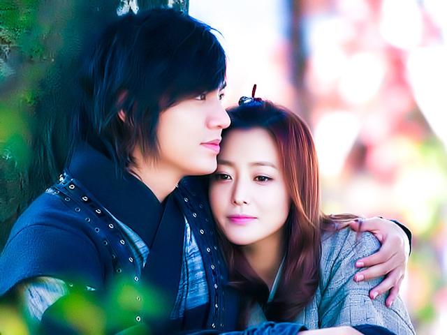 Những tình huống trời ơi đất hỡi khi xuyên không của phim Hàn