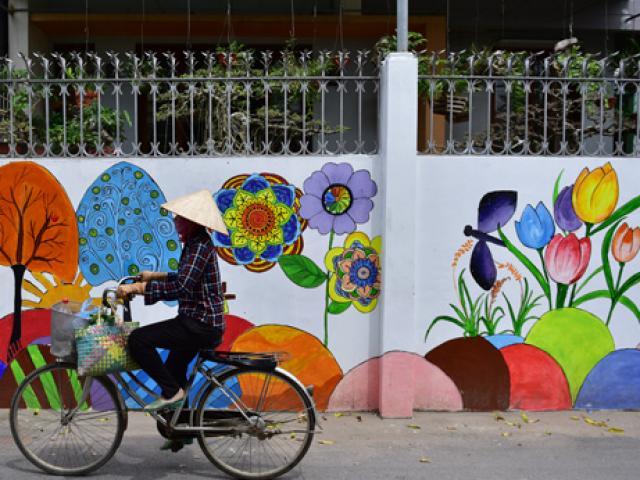 Ngắm con đường bích họa khiến bất cứ làng phố nào cũng ước ao