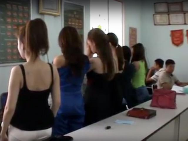 Nhiều người mẫu, diễn viên bán dâm nghìn đô ở Sài Gòn bị bắt quả tang