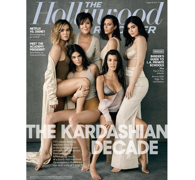 Gia đình nhà Kardashian chụp bộ ảnh sexy kỷ niệm 10 năm trở thành siêu sao nổi tiếng nhất nước Mỹ.