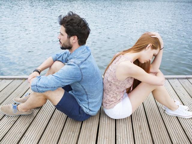Bạn trai chấm dứt mối tình một năm chỉ vì cô gái mắc bệnh khó nói khi ngủ