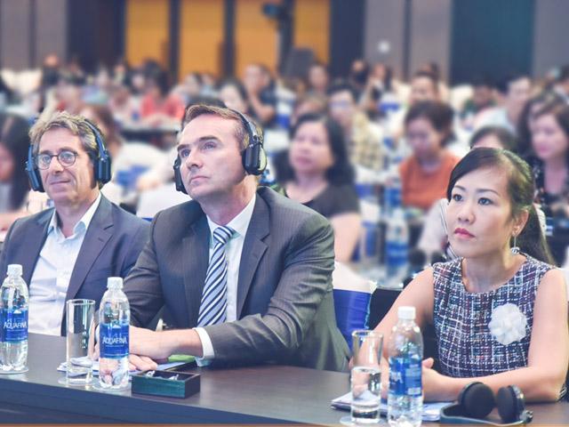 Bác sỹ Việt và chuyên gia quốc tế chung sức giải quyết rối loạn tiêu hóa chức năng ở trẻ