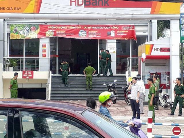 Thông tin bất ngờ vụ xông vào ngân hàng cướp tiền táo tợn giữa trưa ở Đồng Nai