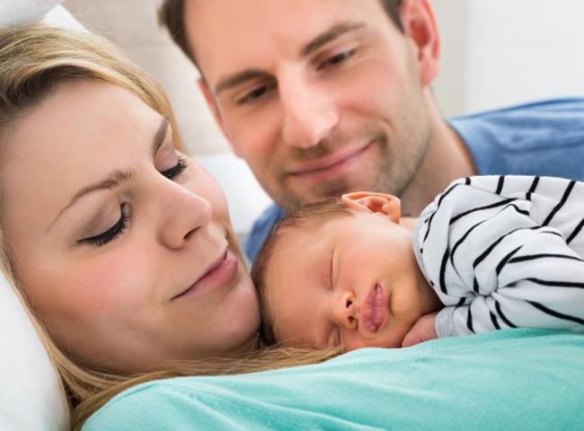 10. Cộng hòa Litva  Thời gian được nghỉ: 18 tuần  Tỷ lệ lương được hưởng: 100%  Litva rất hào phóng đối với những bà mẹ mới sinh con và cả người cha. Những người bố thậm chí cũng được nghỉ khi vợ sinh con thời gian lên tới 4 tuần. Cả cha và mẹ đều có quyền lựa chọn thêm thời gian nghỉ trong 156 tuần tiếp theo mặc dù họ sẽ không được trả nguyên lương như trong thời gian quy định.