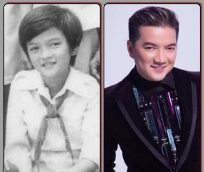 """Trước khi trở thành""""Ông hoàng nhạc Việt"""" - Đàm Vĩnh Hưng từng là cậu bé đáng yêu trong áo đồng phục trắng và chiếc khăn đỏ. Người hâm mộ dễ dàng nhận thấy anh không thay đổi nhiều, vẫn gương mặt, ánh mắt và nụ cười rạng rỡ đó."""
