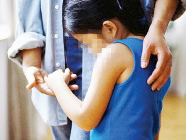 Bé gái 14 tuổi bị 40 người trong làng thay nhau hãm hiếp rúng động Thái Lan