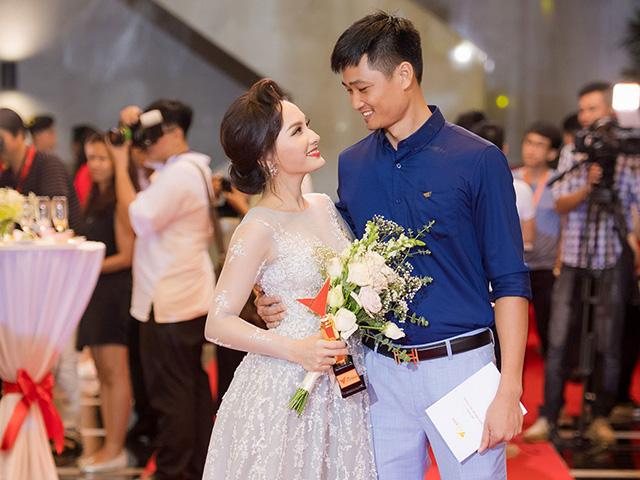 Bảo Thanh: Khi biết tôi đoạt giải, chồng tôi đã ôm vợ thật chặt