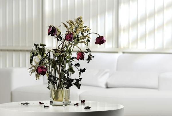 Kết quả hình ảnh cho bình hoa trong nhà