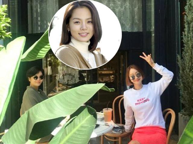 Ngôi sao 24/7: Chae Rim giấu bụng bầu 8 tháng khi đi cafe cùng bạn thân