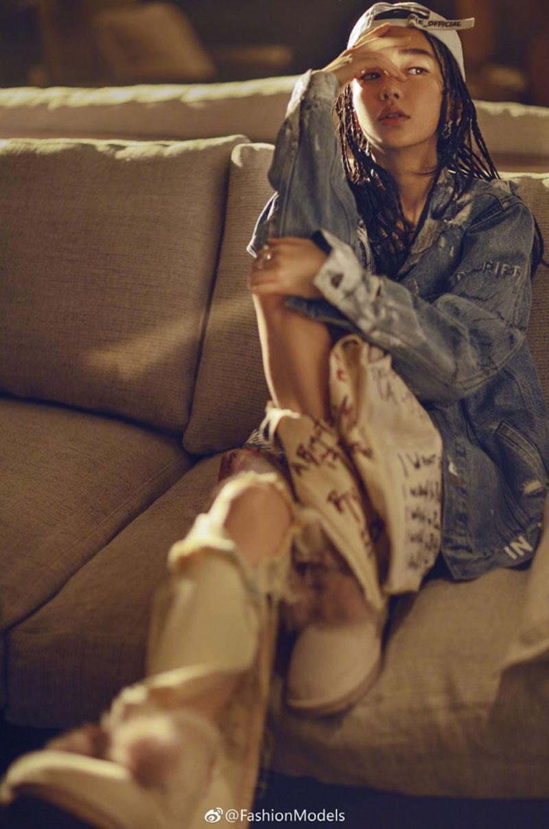 Angelababy chứng minh, người đẹp điểm trang theo phong cách gì cũng đẹp.