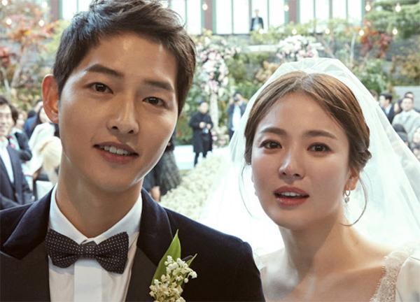 """bae suzy chia tay ban trai, dan mang buc xuc: """"dung di theo vet xe do cua song hye kyo"""" - 2"""