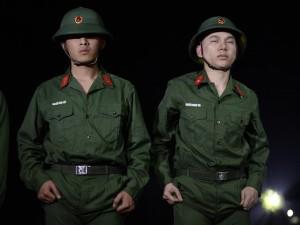 """Sao Nhập Ngũ: Trước khi rời quân ngũ, Hoàng Tôn và 2 sao Việt có một đêm """"nhớ đời"""""""