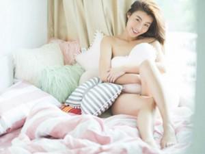 Hoa hậu siêu quốc gia Hong Kong đẹp nhờ... ngủ nude