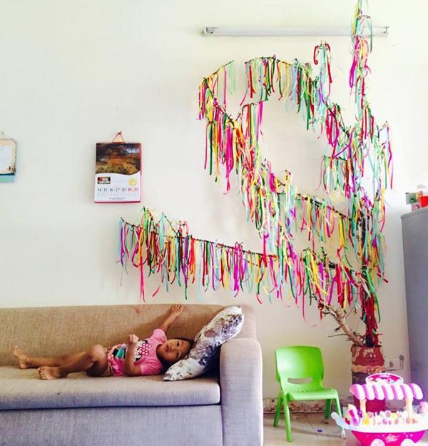 """Mẹ đơn thân mê phượt tỉ mẩn trang trí căn phòng với những bông hoa """"khổng lồ"""" tặng con gái - 8"""