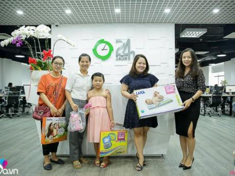 """Mưa quà tặng được trao trong ngày cuối của cuộc thi """"Dắt trẻ đi chơi"""" ở HCM"""
