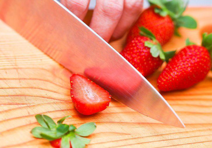 Cách làm sinh tố dâu thơm ngon, bổ dưỡng cho cả gia đình - 2
