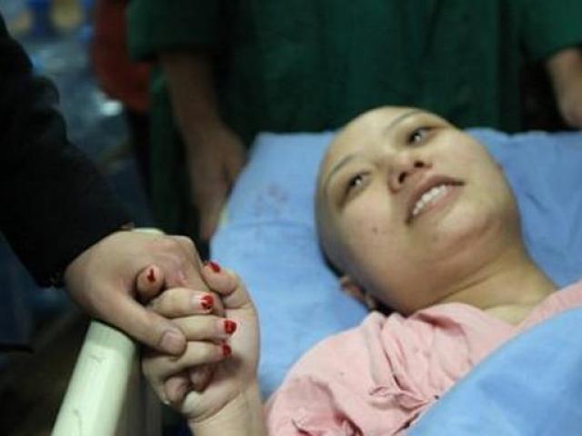Nữ giáo viên bị ung thư giai đoạn cuối vì có thói quen không ít người mắc phải mỗi đêm