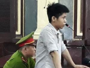 Vụ sát hại 5 người trong gia đình ở Bình Tân: Người giặt quần áo cho hung thủ khai gì?