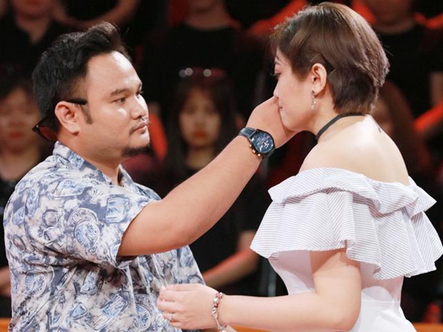 Có bao bà vợ từng ấm ức khóc trước sự vô tâm của chồng như vợ diễn viên Vinh Râu?