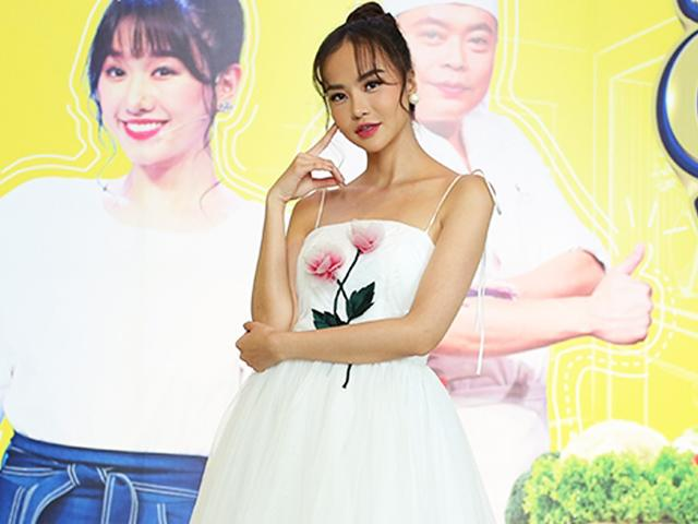 Vắng Hari Won, Hoa hậu Kiều Ngân úp mở muốn thay thế đàn chị cầm trịch chương trình