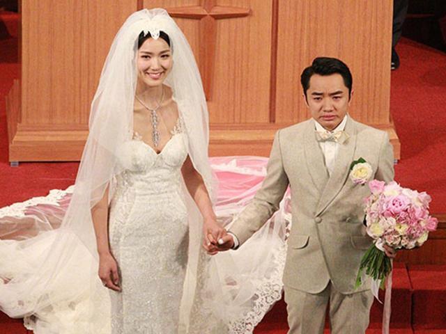 Bên nhau 9 năm, cuối cùng Chú lùn TVB cũng có con với cô vợ Hoa hậu cao 1m75
