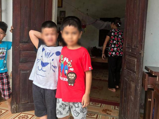 Vụ trao nhầm con ở Ba Vì: 2 đứa trẻ quấn quýt, chơi vui vẻ bên nhau ngày đoàn tụ