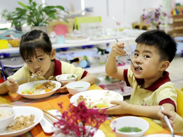 Cách sắp xếp không gian gia đình đơn giản để con học phương pháp Montessori hiệu quả nhất