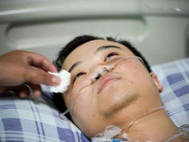 Anh chàng bị xơ gan, chỉ uống một loại thuốc bổ cuối cùng bác sĩ nói không thể cứu chữa