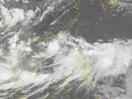 Tin mới bão số 3: Vẫn di chuyển rất nhanh, chiều mai đổ bộ đất liền Hải Phòng- Hà Tĩnh