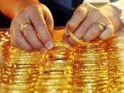 Giá vàng hôm nay 17/7: Vàng bất ngờ tụt dốc, dân ồ ạt mua vào