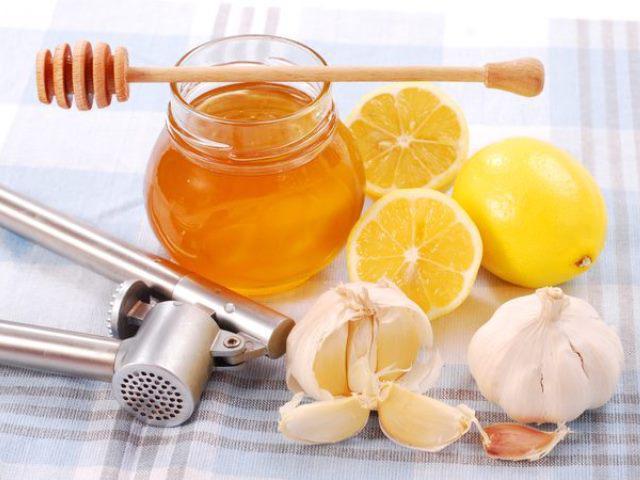 Cách trị ho cho trẻ bằng mật ong dễ làm nhất