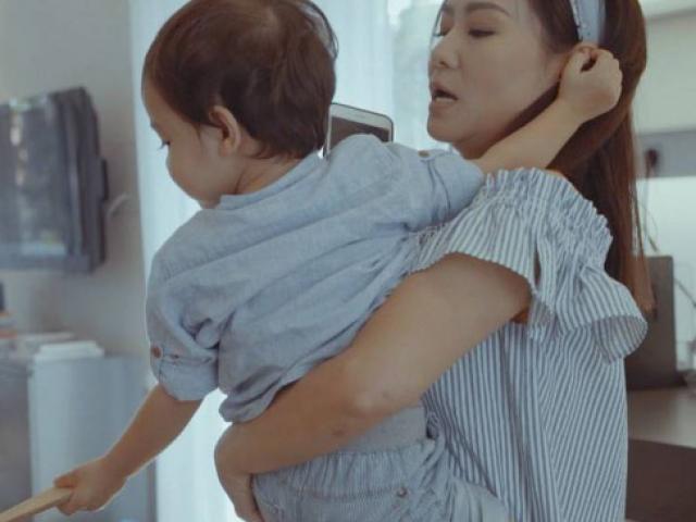 Thu Minh lần đầu tiết lộ cuộc sống mẹ bỉm sữa bên ngoài ánh đèn sân khấu